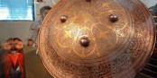 L'immense bouclier de Ferdowsi, pour parer les coups américains. Foto: Mostafameraji / Wikimédia Commons / CC-BY-SA 4.0int