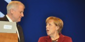 Horst Seehofer et Angela Merkel se livrent un extraordinaire bras-de-fer. A la fin, ils perdront tous les deux... Foto: Harald Bischoff / Wikimedia Commons / CC-BY-SA 3.0