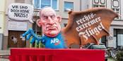"""""""Mais nous ne sommes pas des nazis"""" et """"aile extrême-droite"""" - il y a des moments où le carnaval prend tout son sens... Foto: @infozentrale / Wikimedia Commons / CC0 1.0"""