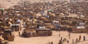 Des camps de réfugiés comme ici au Darfur, l'Afrique connaît. Et l'Afrique n'a pas vraiment envie d'être les agents d'une politique européenne des plus meurtrières. Foto: Mark Knobil, Pittsburgh, USA / Wikimedia Commons / CC-BY 2.0