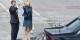 Das französische Königspaar winkt einem Langzeitarbeitslosen zu, der nach erfolgreicher Strassenüberquerung nun seinen neuen Job als Kellner auf den Champs Elysées antreten kann. Klasse! Foto: Chairman of the Joint Chiefs of Staff from Washington D.C., USA / Wikimedia Commons / PD