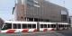 Le tram - et le bâtiment de la filiale estonienne de la Danske Bank à Tallinn. Foto: Pjotr Mahhonin / Wikipédia Commons / CC-BY-SA 4.0Int