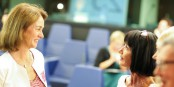Dr. Katarina Barley (links, im Gespräch mit der Chefin des ZEV Martine Mérigeau) im September im Europäischen Parlament. Foto: (c) ZEV / CC-BY-SA 4.0int