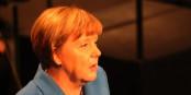 Angela Merkel, visiblement affectée par les mauvais résultats électoraux, a commencé sa retraite de la vie politique. Foto: Eurojournalist(e) / CC-BY-SA 4.0int