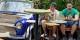 Des jeunes de Budapest dans un café improvisé  Foto: Yelkrokoyade / Wikimédia Commons / CC-BY-SA 3.0Unp