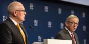 Der etwas konturlose Frans Timmermans (links) steht für die Fortführung der Politik seines Chefs Jean-Claude Juncker. Schade, dass die Sozialdemokratie immer noch nicht begreift, dass die EuropäerInnen genau das nicht wollen. Foto: EU2016 NL from The Netherlands / Wikimedia Commons / CC-BY 2.0