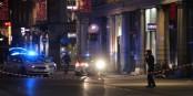 Dans la Rue des Grandes Arcades, les équipes de secours tentent de sauver deux des victimes. Foto: Eurojournalist(e) / CC-BY-SA 4.0int