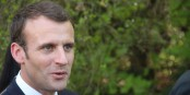 Aux bottes de Macron, nous autres journalistes gagnons au moins un pognon de dingue... Foto: Eurojournalist(e) / CC-BY-SA 4.0int