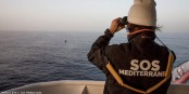 SOS Mediterranée rettet Menschenleben. Helfen Sie dieser Organisation - denn die EU versagt hier auf ganzer Linie. Foto: (c) Anthony Jean / SOS Méditerranée