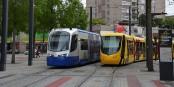 Der Siemens Avanto und der Alstom Citadis müssen sich dank Brüssel weiterhin Konkurrenz machen. Foto: Florian Fèvre from Mobilys / Wikimedia Commons / CC-BY-SA 4.0int