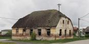 A Jasenovac, tout près du camp : une maison serbe abandonnée...  Foto: Petar Milosevic / Wikimédia Commons / CC-BY-SA 4.0Int