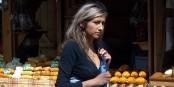 Jeune vendeuse polonaise de mets traditionnels qui arrachent la bouche  Foto: Bouette /Wikimédia Commons/ CC-BY-SA 3.0Unp