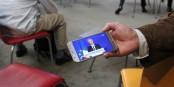 Lors de la soirée électorale au Parlement Européen, les réactions françaises n'étaient disponibles que sur le petit écran... Foto: Eurojournalist(e) / CC-BY-SA 4.0int