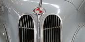 EMW : la variante est-allemande communiste de BMW, où le rouge remplace les couleurs bavaroises  Foto: Ulrich Wanner-Laufer/Wikimédia Commons/CC-BY-SA 3.0Germany