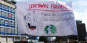 Arm, aber nicht zahnlos. Lasst uns arm werden - weniger Konsum = weniger Zerstörung. Bandarole auf der Klimademo in Straßburg am 16. März 2019. Foto: MM / EJ / CC-BY-SA 4.0int