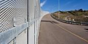 Mit so etwas, einmal rund um Europa gezogen, kann man das schützen, was Europa ausmacht... Foto: Josh Denmark, U.S. Customs and Border Protection / Wikimedia Commons / PD