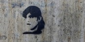 Laura Codruta Kövesi, un symbole pour la démocratie européenne : graffiti sur un mur de Bucarest  Foto: Babu/Wikimédia Commons/CC-BY-SA/ 4.0Int
