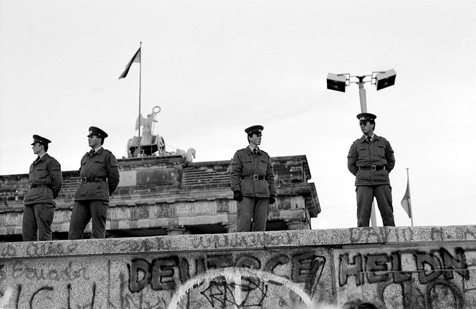 Heroes on the Wall? Helden auf der Mauer? Des héros sur le Mur ? - Foto: (c) Michael Magercord / ROPI