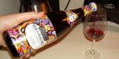 Manch echter Önologe würde sich mit diesem Getränk nicht einmal die Füsse waschen... Foto: bradleypjohnson / Wikimedia Commons / CC-BY 2.0