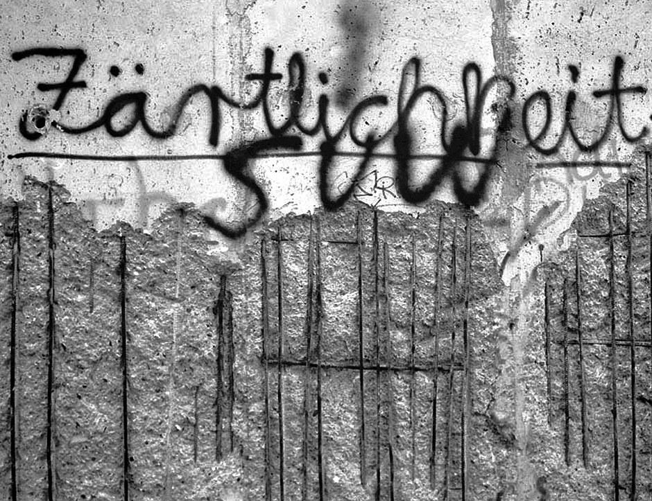 Est-ce que la tendresse aura raison du béton ? / Ist die Zärtlichkeit stärker als Stahlbeton? Foto: (c) Michael Magercord / ROPI