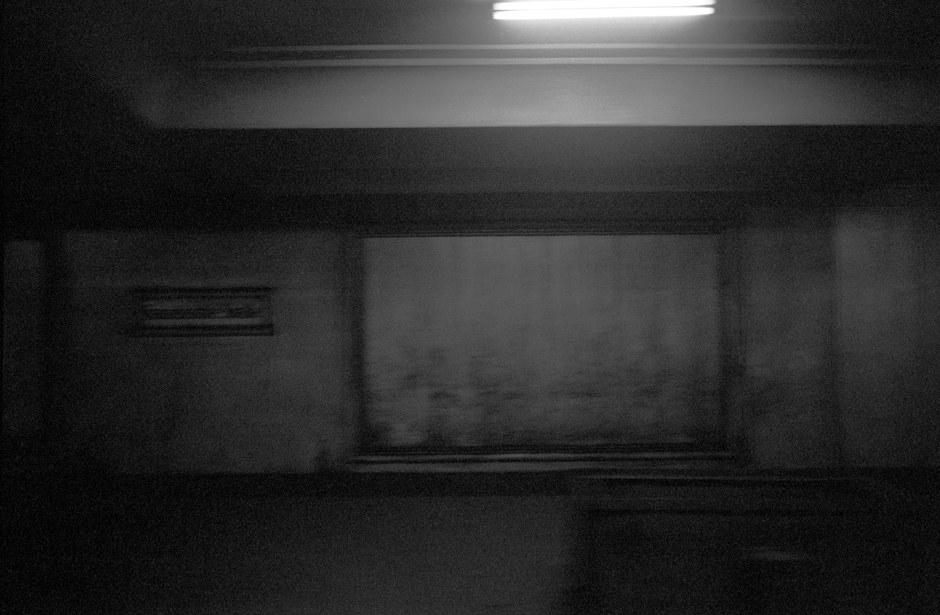 "L'anti-chambre de l'enfer, la gare de métro ""Französische Strasse"" / Vorzimmer zur Hölle, die U-Bahnstation ""Französische Strasse"". Foto: (c) Michael Magercord / ROPI"