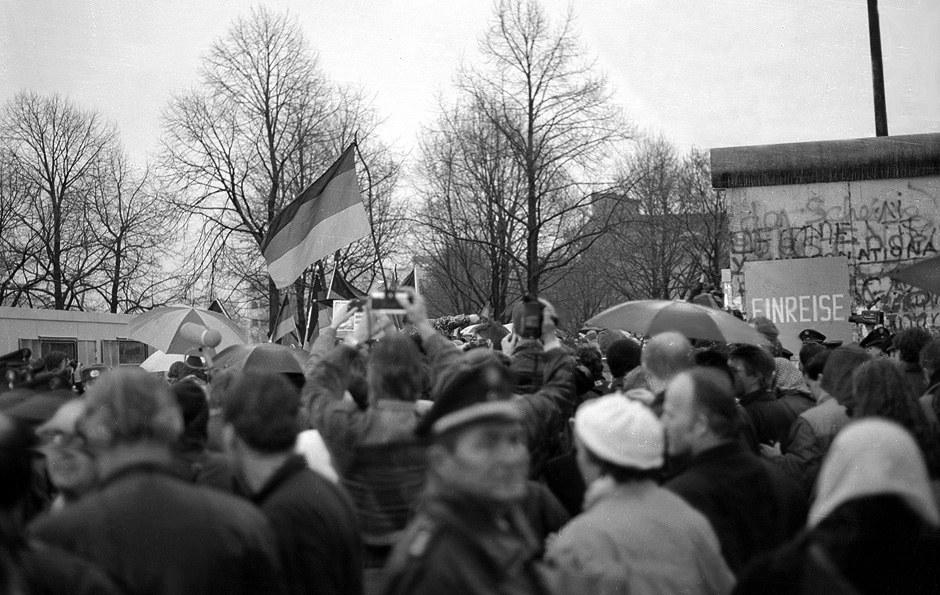La Porte de Brandebourg ouverte - das Brandenburger Tor offen wie ein Scheunentor... Foto: Michael Magercord / ROPI