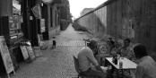 Vivre à l'ombre du Mur - Schattendasein an der Mauer... Foto: (c) Michael Magercord / ROPI