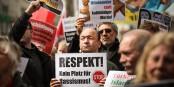 L'extrême-droite nazie monte en Allemagne - la résistance aussi. Foto: linksfraktion / Wikimedia Commons / CC-BY 2.0