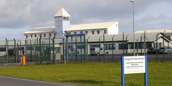 Litla Hraun, one of the prisons in Iceland. Detention conditions are good, but could still be improved. Foto: Rutepwiki / Wikimedia Commons / PD