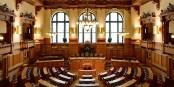 Die AfD wird leider auch weiterhin ein paar Abgeordnete in diesen edlen Sitzungssaal entsenden dürfen... Foto: Christoph Braun / Hamburgische Bürgerschaft / Wikimedia Commons / CC0 1.0