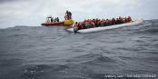 Die EU würde diese Menschen lieber ertrinken lassen, als sie zu retten. Foto: Anthony Jean / SOS Méditerranée