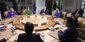 Nur für solche Bilder Hunderte Millionen Euro ausgeben? Die können auch Videokonferenz! Foto: Shealah Craighead / The White House from Washington, DC / Wikimedia Commons / PD
