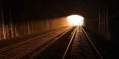 Il faut s'accrocher avec ce Covid-19 pour voir la lumière au bout du tunnel... Foto: Great Western Railway / Wikimedia Commons / CC-BY-SA 4.0int