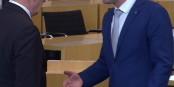 Bodo Ramelow (à gauche) n'a pas accepté la poignée de main du néofasciste Björn Höcke. Foto: ScS EJ