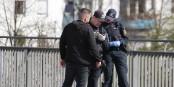 Diese beiden Polizisten sollen also dafür sorgen, dass SARS-CoV-2 nicht nach Deutschland kommt. Mundschutz? Mindestabstand? Ein trauriger Witz... Foto: Eurojournalist(e) / CC-BY-SA 4.0int