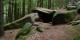 La Grotte des Druides, située sur la partie Sud du Mur Païen entourant le Mont Sainte Odile. Foto: Vassil / Wikimedia Commons / PD