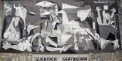 Réalisée en 1937 par Pablo Picasso, cette œuvre témoigne de l'horreur de la Guerre d'Espagne, où les nationalistes aidés des nazis, ont écrasé les républicains. Foto: Zarateman / Wikimedia Commons / CC0 1.0