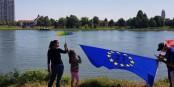 Am gestrigen Samstag winkte das Strassburger Ufer zurück - zu den Klängen der europäischen Hymne. Foto: Franck Dautel / CC-BY-SA 4.0int