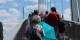 """Von beiden Seiten wurde gestern die Passerelle des Deux Rives """"gestürmt""""! Foto: Eurojournalist(e) / CC-BY-SA 4.0"""