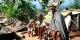Setzt euch hin -  Afrikanische Skulpturen aus Gorée mit einer Botschaft an ihre europäischen Käufer. Foto: (c) Michael Magercord