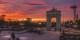 Le ciel madrilène embrasé de rouge, défiant ainsi le très franquiste Arco de la Victoria - tout un symbole ! Foto:   Brayan Alfonso / Wikimedia Commons / CC-BY 3.0
