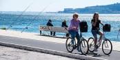 A Lisbonne, la révolution passera-t-elle par le vélo et le retour des populations locales dans ses quartiers touristiques ? Foto: Maria Eklind / Wikimedia Commons / CC-BY-SA 2.0