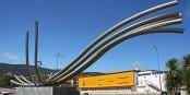 « De Cajado à Internet », sculpture érigée à Castanheira de Pera, au centre du Portugal, symbolisant l'évolution du traitement de l'information. Foto: Vitor Oliveira / Wikimedia Commons / CC-BY-SA 2.0