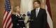 Le Commissaire Dombrovskis avec Hillary Clinton...  Foto: State Chanc. of Latvia/Wikimédia Commons/CC-BY-SA/2.0Gen
