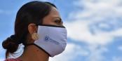 L'avocate et militante féministe équatorienne Paola Verenice Pabon, préfète de la Province de Pichincha, utilise un masque. Alors, pourquoi pas vous ?  Foto: Vinivegag/Wikimédia Commons/CC-BY-SA/4.0Int