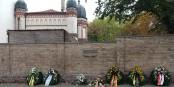 L'attentat sur la synagogue de Halle (en arrière-fond) l'année dernière, aura marqué les esprits en Allemagne. Foto: Datesa / Wikimedia Commons / CC-BY-SA 4.0int