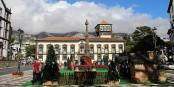 A Funchal, la Praça do Municipio aux couleurs de l'Avent. Foto: GerritR / Wikimedia Commons / CC-BY-SA 4.0int