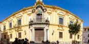 Façade principale de la Faculté de Philosophie te de Lettres de l'Université de Córdoba. Foto:  Tibor Kovacs /  Wikimedia Commons / CC-BY 2.0