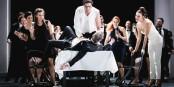Samson haut auf den Tisch, den reichgedeckten und Dalila prostet ihm zu - werden so Aufstände gemacht? Foto: Opera National du Rhin