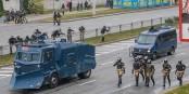 A Minsk, la police essaye de sauver le dictateur Loukachenko - mais il ne pourra pas se maintenir au pouvoir. Foto: Homoatrox / Wikimedia Commons / CC-BY-SA 3.0